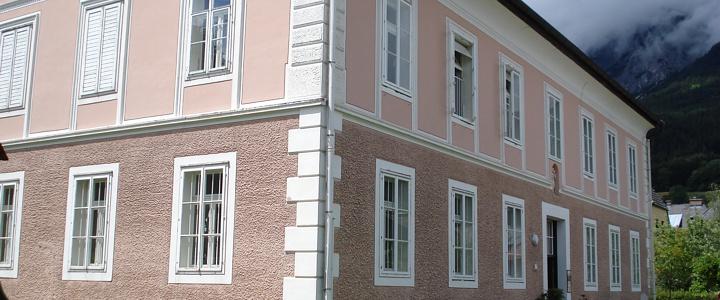 renovierungen und denkmalschutz sanierungen malerei. Black Bedroom Furniture Sets. Home Design Ideas